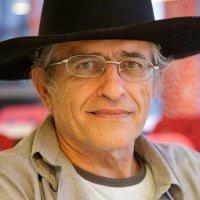 Ramón Cotarelo con sombrero